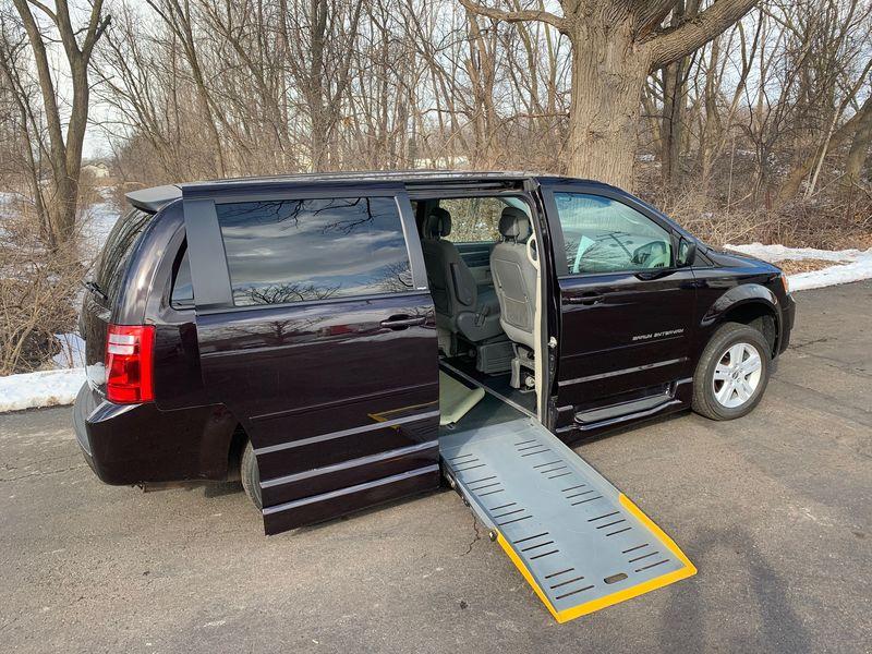 2010 Dodge Grand Caravan | Stock: | Wheelchair Van For Sale