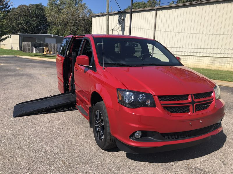 Dodge Grand Caravan Vehicle Image