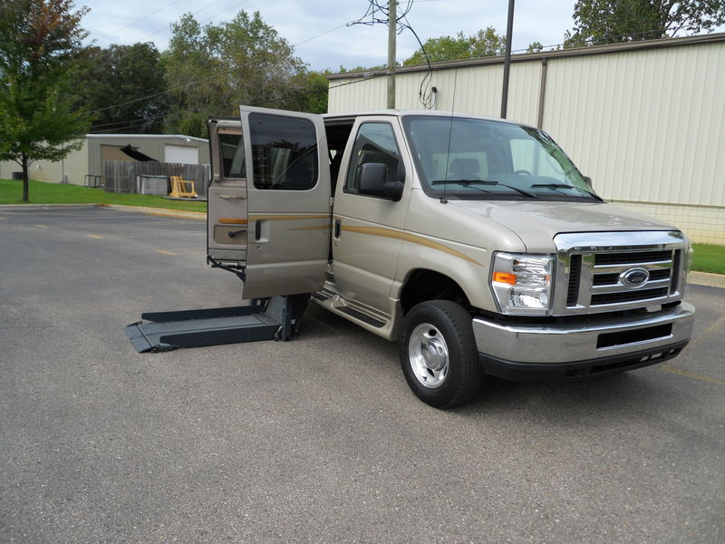 Ford E-Series Van Vehicle Image